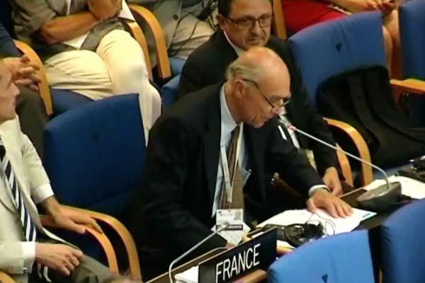 Aubert de Villaine, président de l'association des Climats de Bourgogne, à Bonn, en Allemagne, lors de l'inscription des climats du vignoble de Bourgogne à l'Unesco le 4 juillet 2015.