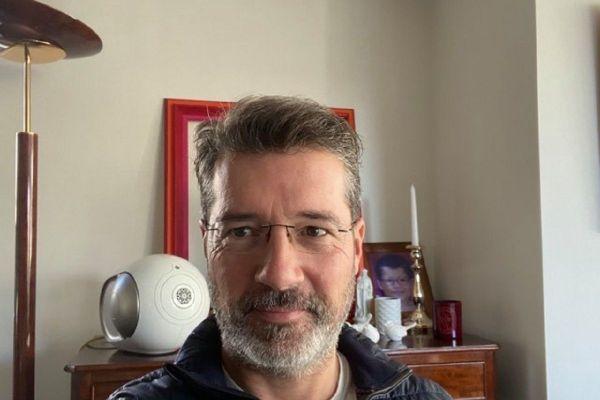 Testé positif au COVID 19, le maire de Montluçon Frédéric Laporte est obligé de s'isoler et de travailler depuis son domicile.