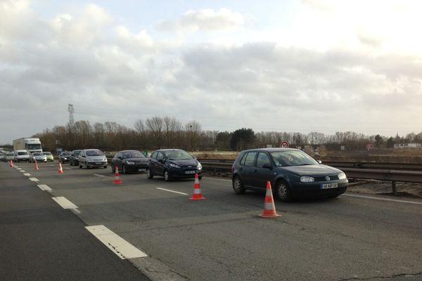 La voie de gauche de l'A23 a été réouverte à la circulation