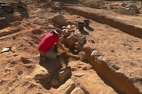 Fouilles archéologiques sur un site datant du Moyen-Age à Bolquère (Pyrénées-Orientales) en octobre 2019