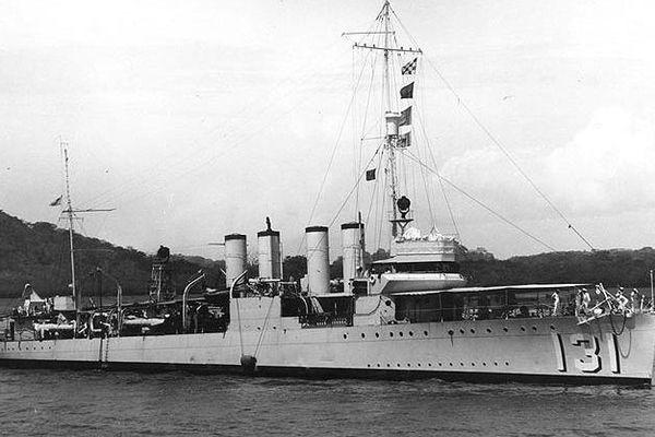 L'ancien destroyer américain a été donné au Royaume Uni et se nomme désormais HMS Campbeltown
