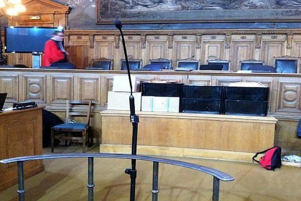A la barre de la cour d'assises de Côte-d'Or