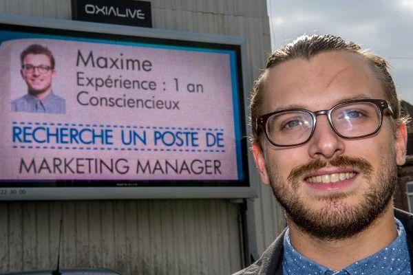 Le CV de Maxime Derouet va s'afficher pendant une semaine sur les panneaux électroniques