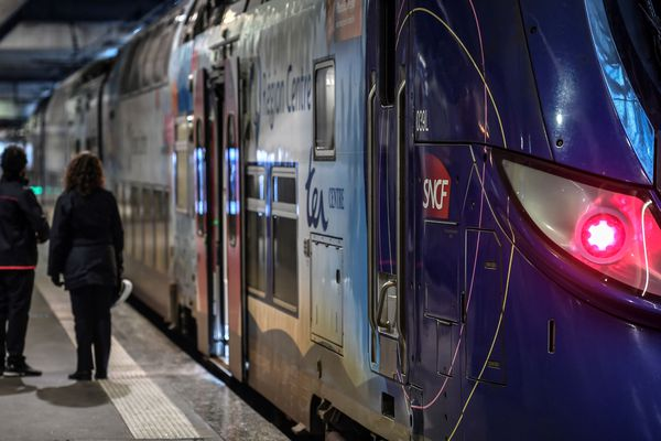 Le trafic a été interrompu pendant plusieurs heures entre Paris et Chartres