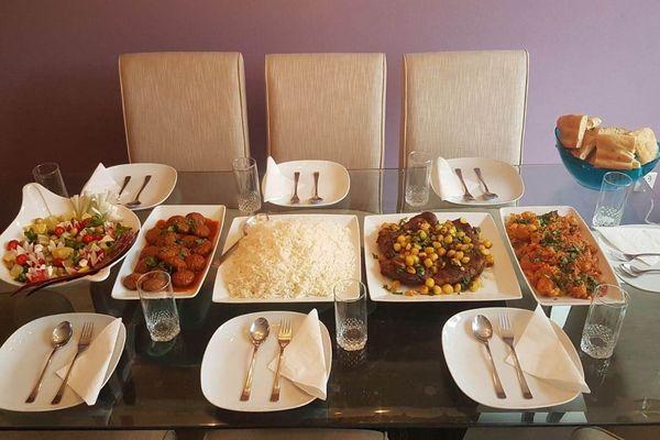 La table afghane de Seema, préparée à l'occasion du Ramadan