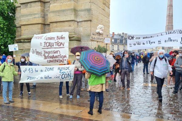 A Bordeaux, ils étaient plus d'un millier de manifestants selon la préfecture.
