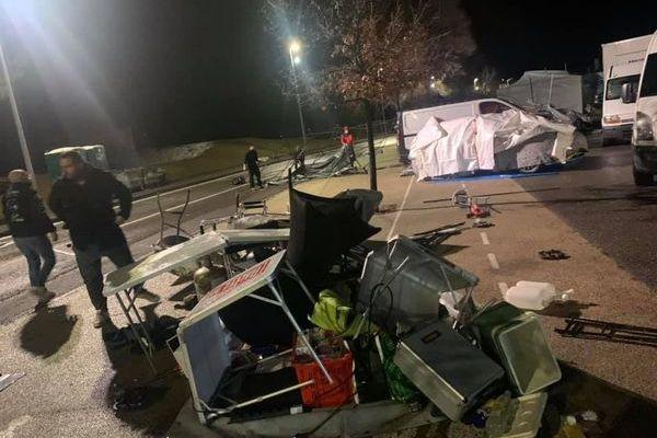 Trente à quarante stands ont été détruits