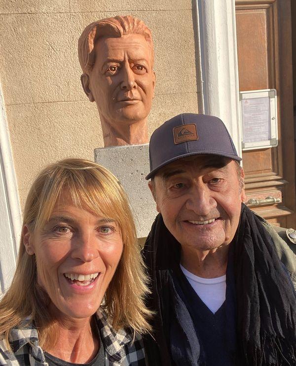 Joseph Damiani, accompagnateur conteur et Nathalie Simon à la découverte de la maison natale de Marcel Pagnol