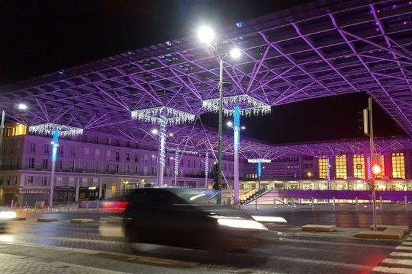 La gare d'Amiens de nuit