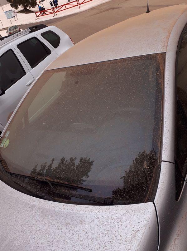 La voiture sur laquelle un échantillon de sable a été prélevé pour y chercher des traces de Césium-137, un élément radioactif issu des essais nucléaires.