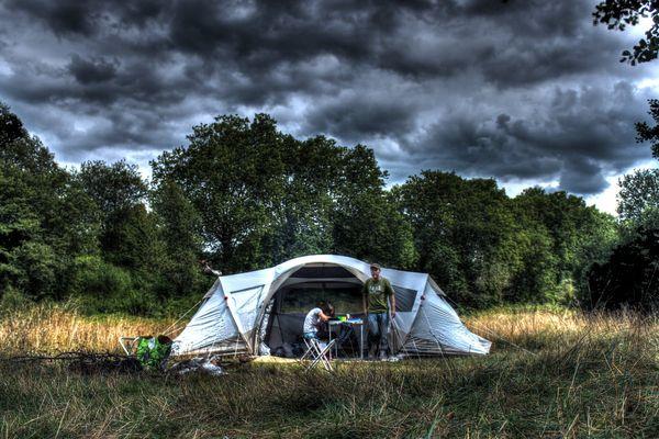 Gros coup de vent à 90km/h sur les Pays de la Loire , inhabituel un 25 août dans la région
