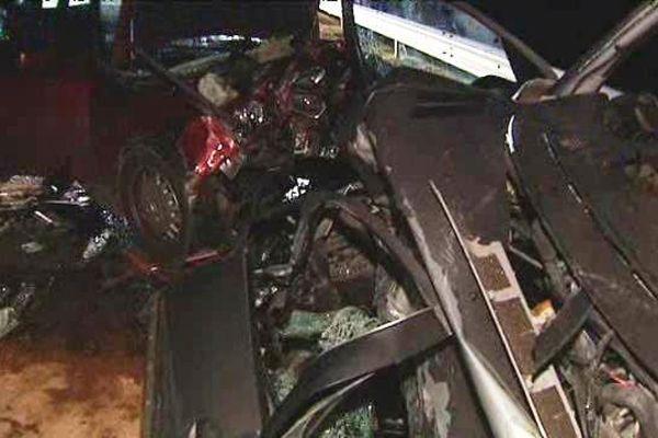 Un choc frontal entre deux véhicules a fait deux morts et trois blessés graves, le dimanche 20 décembre 2015, à Pont-du-Château (Puy-de-Dôme).