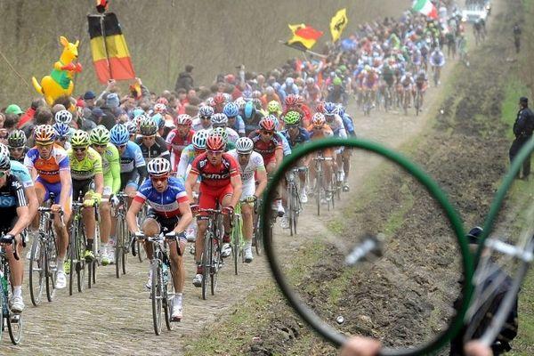 Suivez Paris-Roubaix en direct live streaming de 12h50 à 17h.