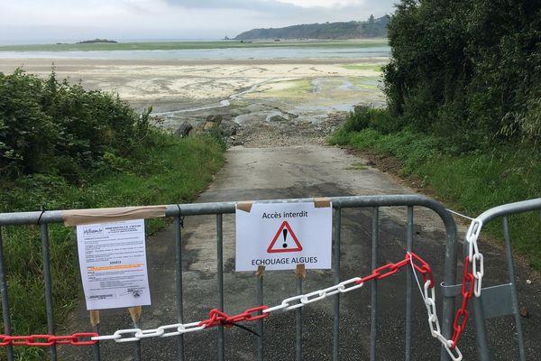 La mairie a fermé l'accès à la plage de la Grandville.