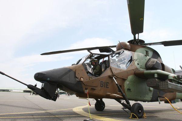 Un hélicoptère tigre au 5e RHC de Pau