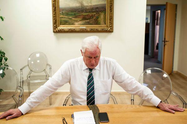 Quelques jours après avoir quitté son fauteuil de maire de Montluçon LR, Daniel Dugléry est mis en examen dans une affaire de prise illégale d'intérêts sur la commune de Villebret