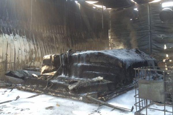 Rivesaltes (Pyrénées-Orientales) - plusieurs hangars détruits par un incendie - 22 juin 2017.