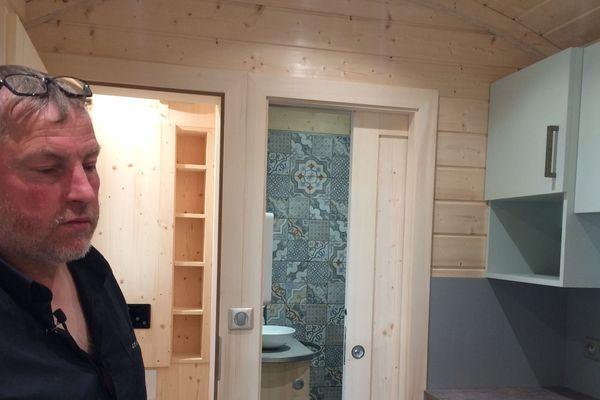 La décoration intérieure et extérieure comme spécialité pour cet artisan du bois.