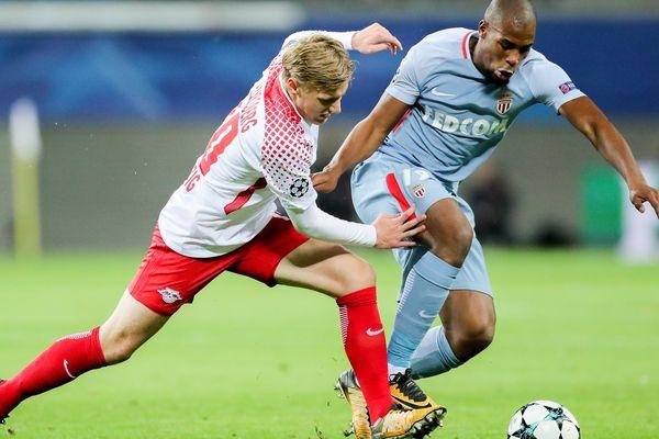 Le joueur de Leipzig Emil Forsberg et le Monégasque Djibril Sidibe