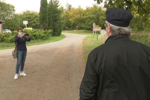 Aude : À Pécharic-et-le-Py, une factrice photographie les habitants pour un projet de Yann-Arthus Bertrand - octobre 2021.