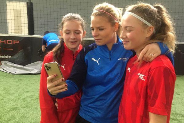 Un selfie avec une star du football international, Eugénie Le Sommer