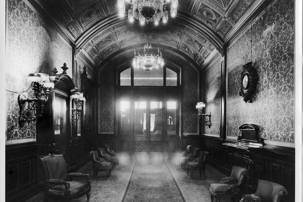 Le salon de l'empereur, photographié au siècle dernier.