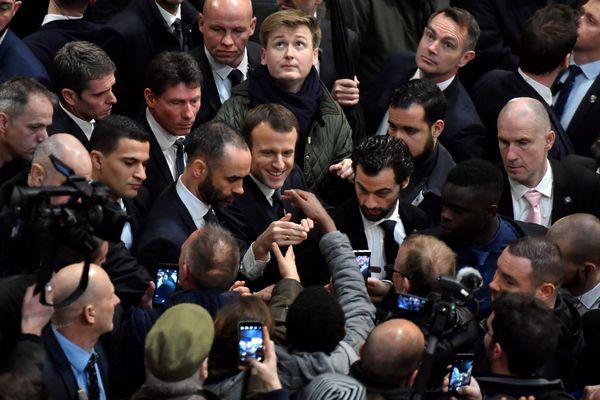 Le président de la République Emmanuel Macron ce matin au salon de l'agriculture à paris.