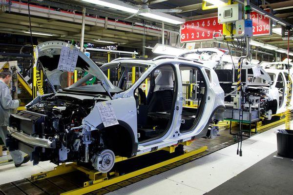 Une chaîne de fabrication à Renault Douai.
