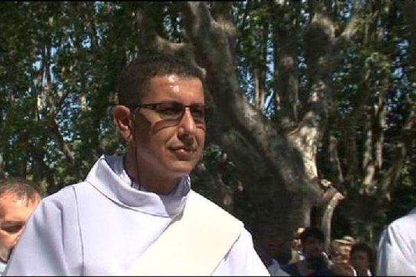 Var : musulman puis protestant, il devient prêtre catholique.