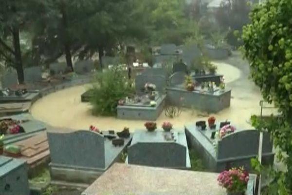 Le cimetière de Saint Delmas de Tende sous le déluge vendredi 2 octobre.