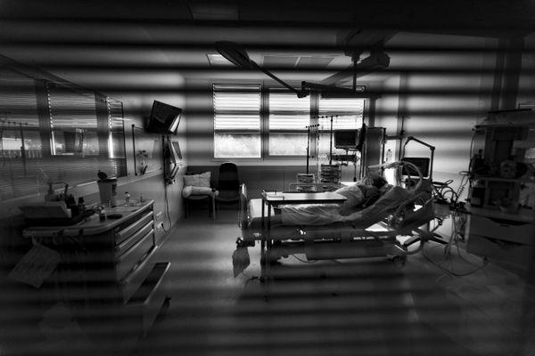 Un patient en réanimation atteint de la Covid-19