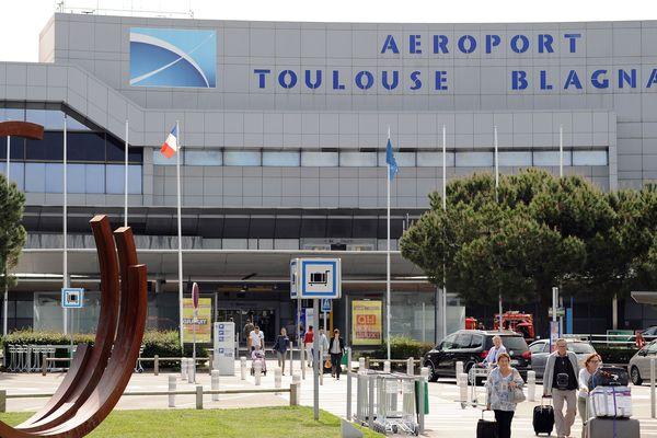 Le collectif contre la privatisation de l'aéroport Toulouse-Blagnac souhaite que l'État se positionne dans la revente des parts de Casil Europe, annoncée pour mai 2019.