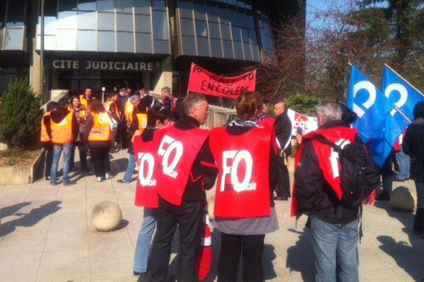 Les salariés de GAD devant le tribunal de commerce de Rennes