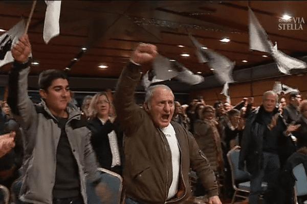 """Territoriales - Dernier meeting de campagne pour la liste indépendantiste """"Core in fronte"""" du scrutin des 3 et 10 décembre en Corse."""