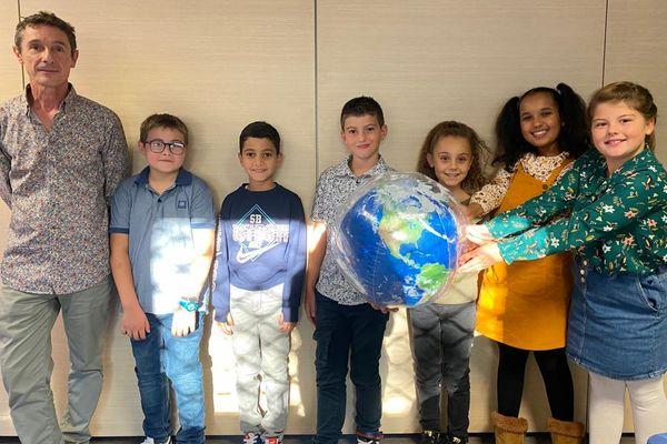 Philippe Frasseto et ses élèves de CE2 ont élaboré un Mooc gratuit visant à sensibiliser les enfants à la question environnementale.