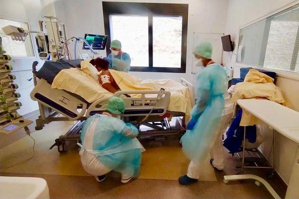 """Depuis le lundi 28 septembre le CHU de Toulouse est passé en plan """"hôpital sous tension"""" pour répondre aux besoins des nouveaux cas de Covid."""