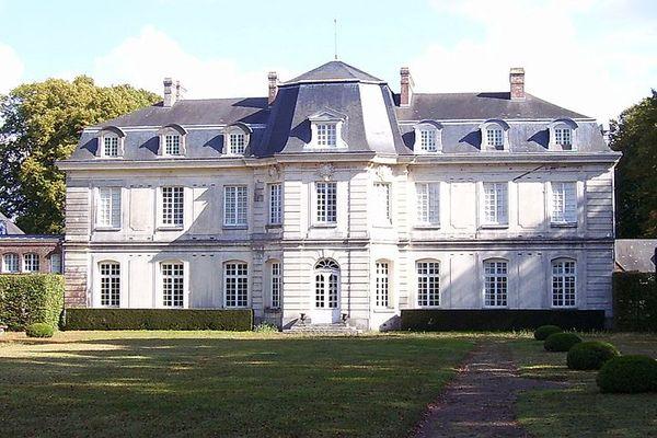 Dans l'Eure, à St Georges du Vièvre, le Château du Launay connaîtra un ciel très clair en matinée, plus nuageux ensuite.