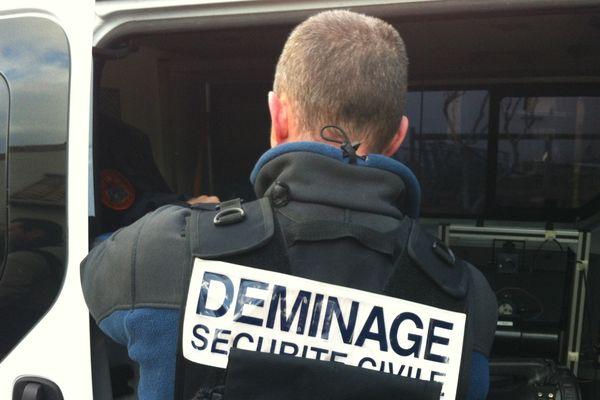 Démineurs de la Sécurité civile en cours d'intervention (Illustration)
