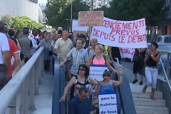 Les salariés Cenntro Motors ont pris le métro ce matin, station Debourg (7e) pour se rendre à la Direccte, à Villeurbanne - 30/6/15
