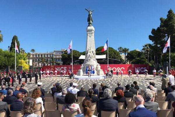 Une cérémonie officielle se déroule ce dimanche matin devant le Monument du Centenaire, sur la Promenade-des-Anglais.