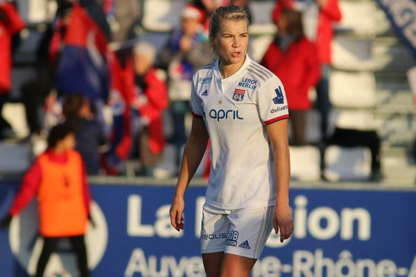 Ada Hegerberg de l'Olympique Lyonnais lors d'un match du championnat de France de football féminin