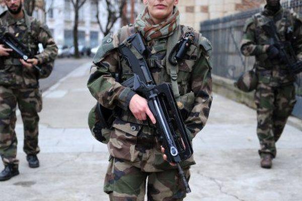 Des soldats en patrouille à Toulouse dans le cadre du plan Sentinelle. (Photo d'illustration)