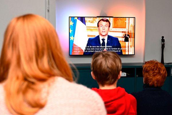 Le 16 mars 2020 à 20h, Emmanuel Macron annonce le premier confinement de la France.