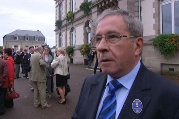 Daniel Boisserie soutient les propos de Manuel Valls sur les Roms.