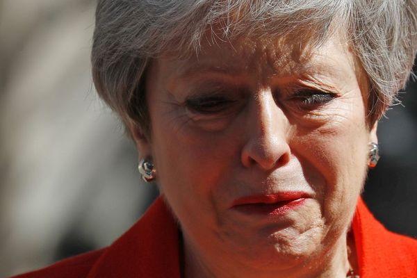 Theresa May, émue aux larmes, à l'annonce de sa démission.