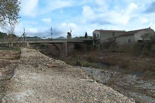 Le 15 novembre dernier, l'Aude était touchée par des inondations. Une vague d'eau ravageait Saint-Hilaire. Il faudra 5 ans pour reconstruire tout le village.