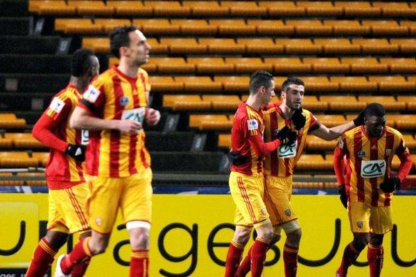 Le joie des Lensois après leur deuxième but face à Epinal.