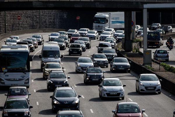 Trafic chargé sur les routes franciliennes (illustration).