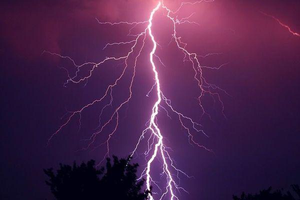 Prudence ! Météo France annonce l'arrivée de nouveaux orages, qui pourraient être très violents par endroit.