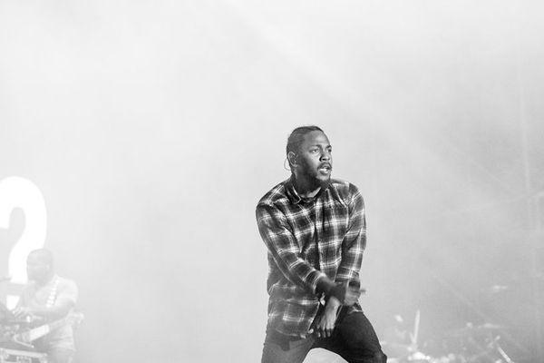 """Autoproclamé """"meilleur rappeur en vie"""", Kendrick Lamar sera à Bercy en février 2018 pour deux dates."""